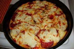 Zubereitung des Rezepts Käsepizza aus altem Brot für ein paar Mäuse, schritt 3
