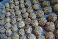 Zubereitung des Rezepts Knusprige Nusskugeln mit Schokoladencreme, schritt 4