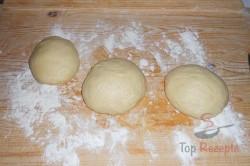 Zubereitung des Rezepts Hefeteig-Strudel mit Mohn- und Nussfüllung, schritt 8
