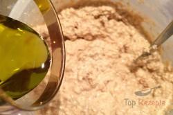 Zubereitung des Rezepts FITNESS-Gugelhupf mit Äpfeln und Haferflocken, schritt 5