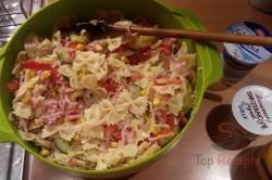 Zubereitung des Rezepts Einfacher frischer Nudelsalat, schritt 2