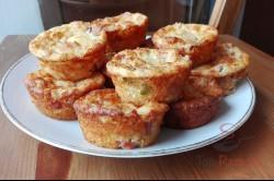 Zubereitung des Rezepts Die klassische Pizza mal anders: PIZZA-MUFFINS IN 20 MINUTEN, schritt 5