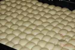 Zubereitung des Rezepts Mini-Buchteln mit Vanillesoße, schritt 1