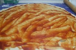 Zubereitung des Rezepts Pizza-Schnecken mit Hefeteig, die sehr schnell verputzt werden, schritt 3