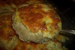 Zubereitung des Rezepts Hackfleisch-Nester mit Käse-Füllung aus dem Backofen, schritt 4