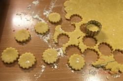 Zubereitung des Rezepts Der perfekte Ersatz für Kartoffelchips oder Käsestangen: leckeres Käse-Knabberzeug, schritt 3