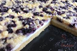 Zubereitung des Rezepts Einfacher Blechkuchen mit Quark, Heidelbeeren und Streuseln, schritt 11