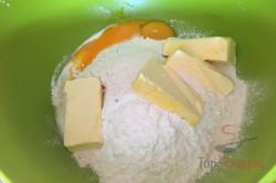 Zubereitung des Rezepts Einfacher Blechkuchen mit Quark, Heidelbeeren und Streuseln, schritt 1