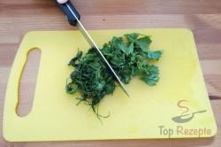 Zubereitung des Rezepts Sommerliche Frikadellen mit Hähnchenbrust, schritt 2