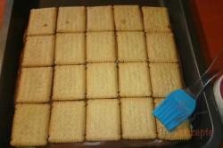Zubereitung des Rezepts Leckerer Pudding-Sahne-Keks-Kuchen ohne Backen, schritt 7