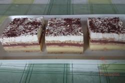Zubereitung des Rezepts Leckerer Pudding-Sahne-Keks-Kuchen ohne Backen, schritt 10