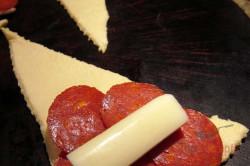 Zubereitung des Rezepts Salami-Mozzarella-Taschen mit Knoblauch, schritt 1
