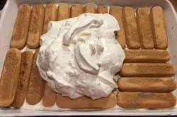 Zubereitung des Rezepts Saure-Sahne-Kondensmilch-Kuchen ohne Backen und in 15 Minuten gemacht, schritt 13