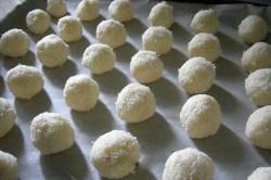 Zubereitung des Rezepts Wunderbare KOKOSMAKRONEN aus drei Zutaten wie aus dem Laden, schritt 2