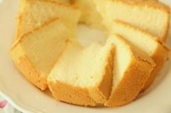 Zubereitung des Rezepts Der einfachste Biskuitteig für Torten und Kuchen, schritt 7