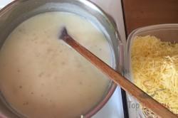 Zubereitung des Rezepts Nudelauflauf mit Hähnchenfleisch und Käsesoße, schritt 6