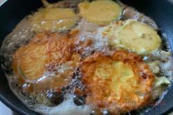 Zubereitung des Rezepts Die leckerste Zucchini der Saison im perfekten Teigmantel! Keine Beilage nötig, schritt 8