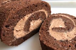 Zubereitung des Rezepts Luftige Kakao-Biskuitrolle mit köstlicher Creme, schritt 1