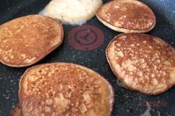 Zubereitung des Rezepts 7-Minuten-Apfel-Pancakes: die perfekten Pfannkuchen ohne Wartezeit, schritt 5